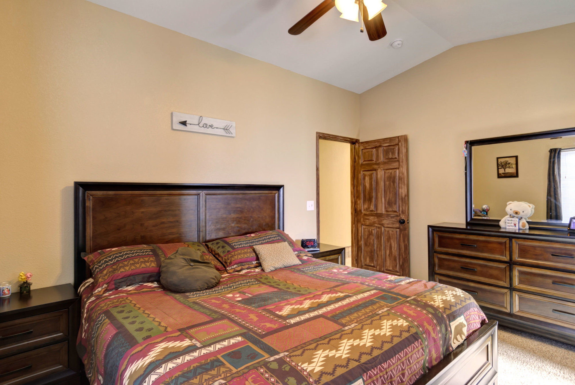 1045-lindstrom-drive-bedroom