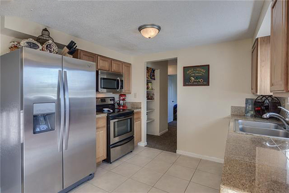 6861-millbrook-cir-kitchen-2