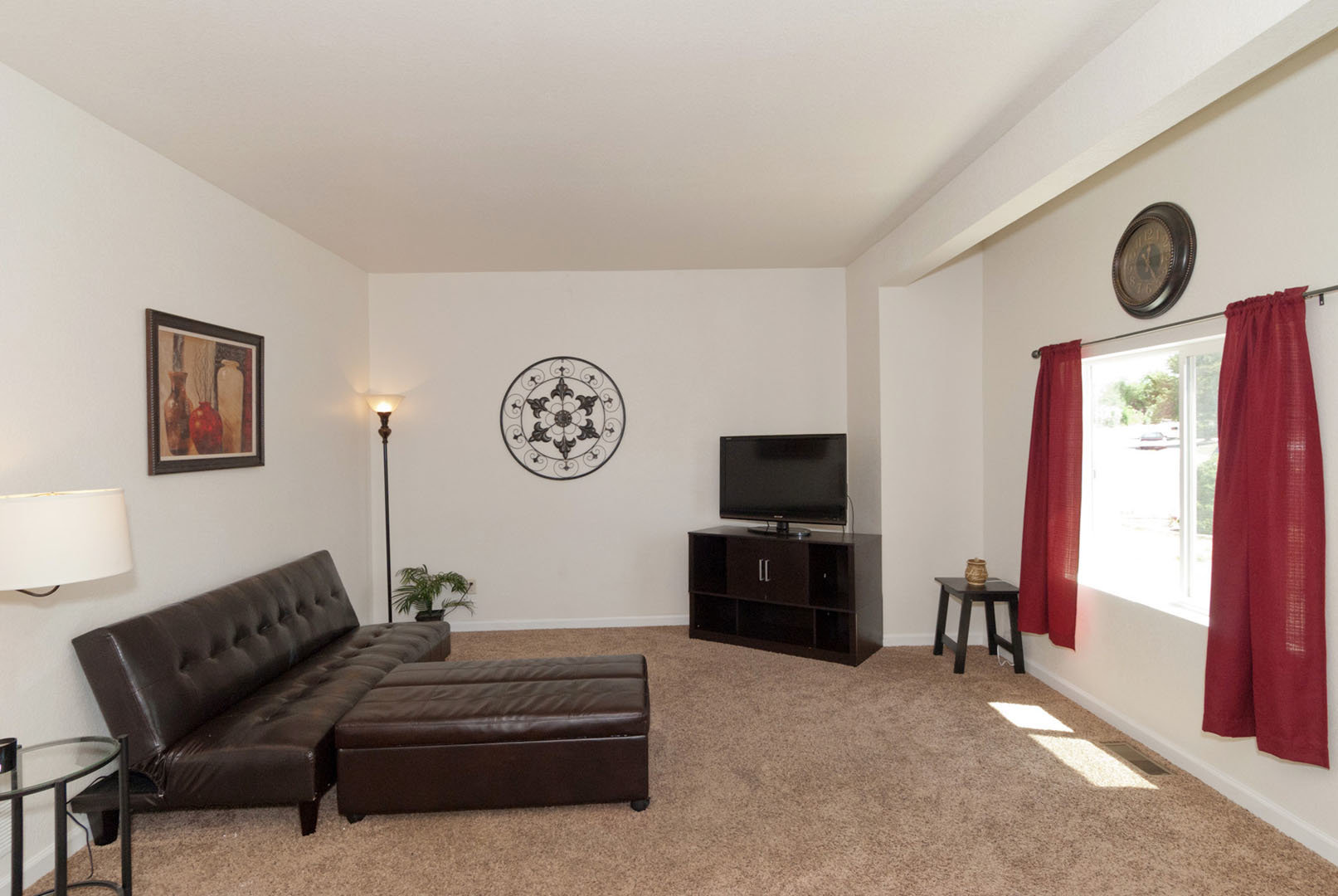 4268-marlow-circle-living-room