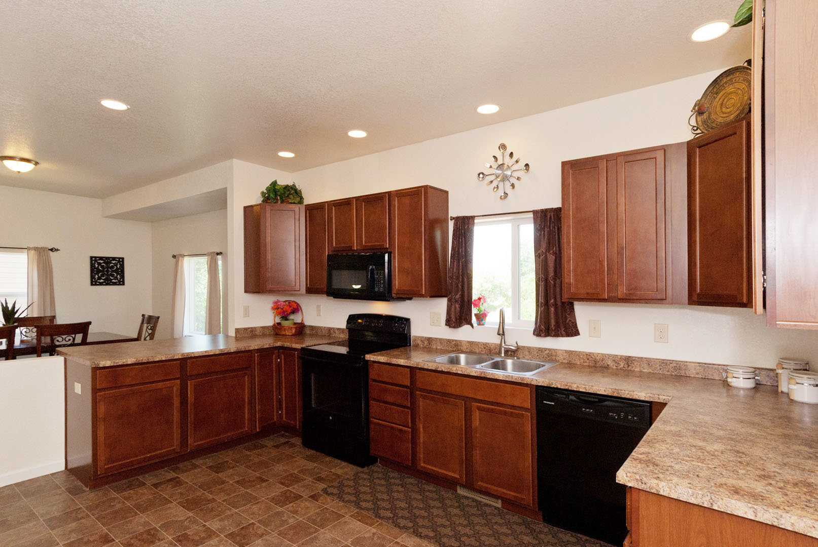 4268-marlow-circle-kitchen