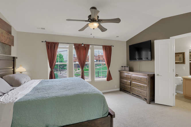 976-burning-bush-pt-master-bedroom
